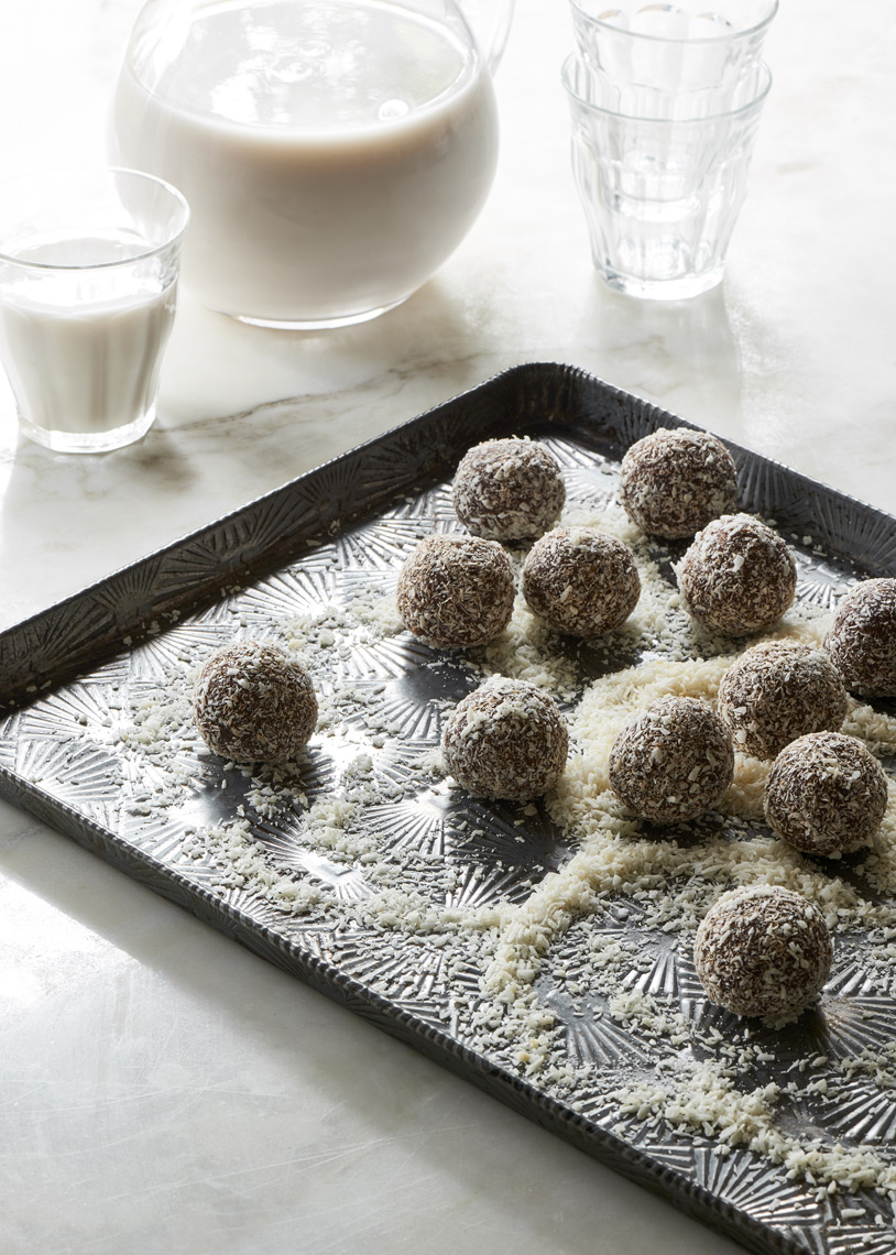 Cheeky-Chocolate-Fruit-Balls