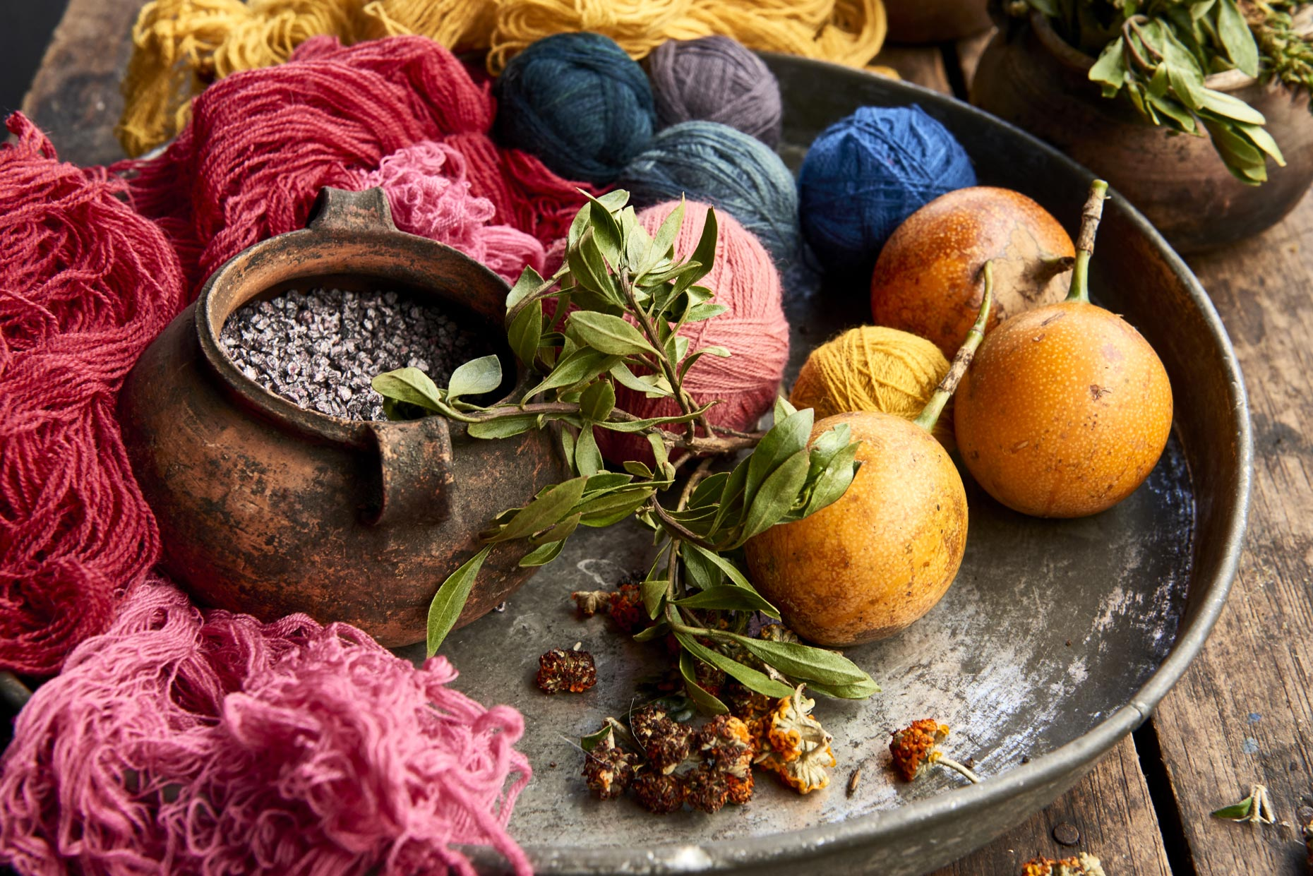 Colorful-fruit-and-yarn-on-metal-tray
