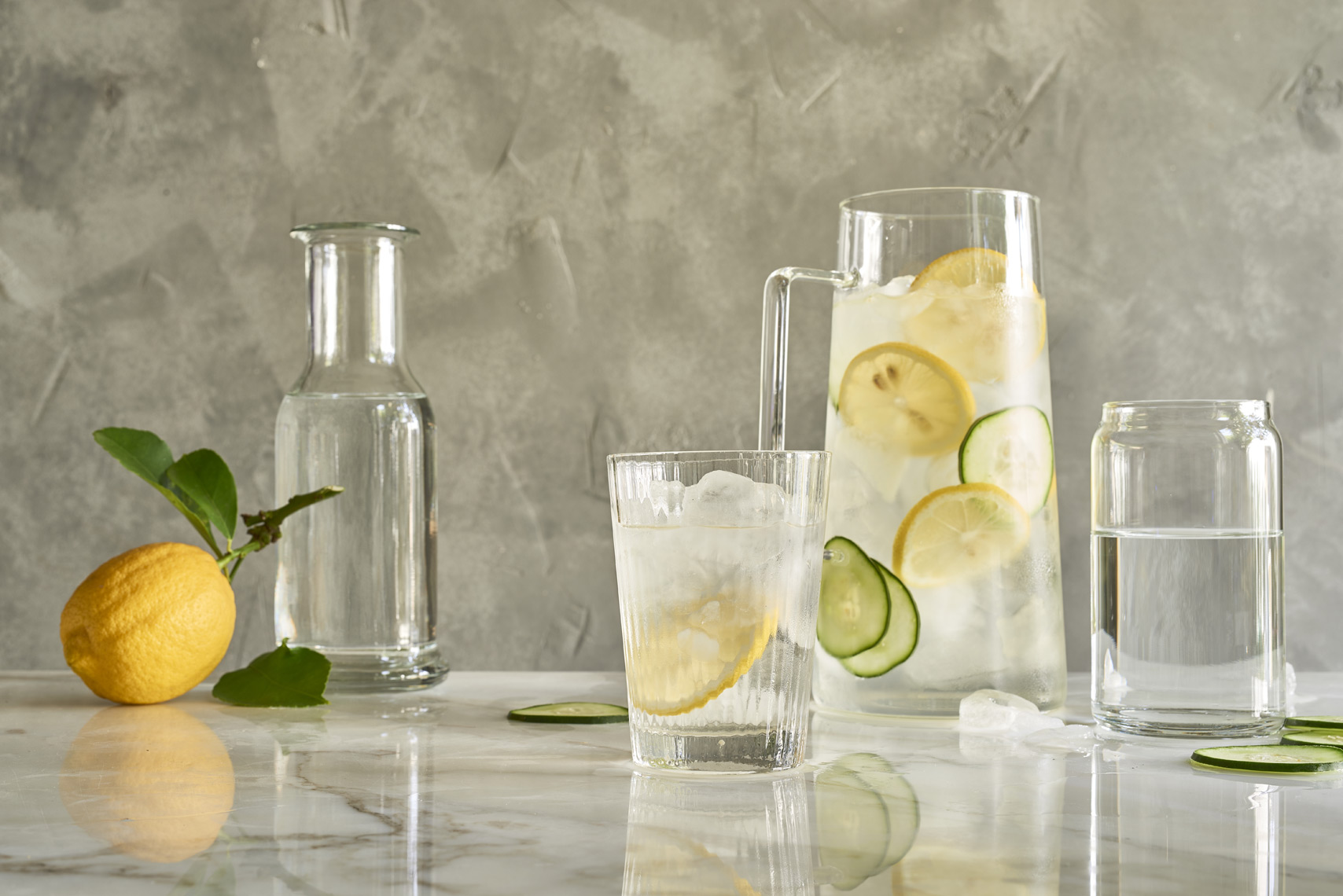 Glass-Pitchers-of-Lemon-Hydration-Ice-Water