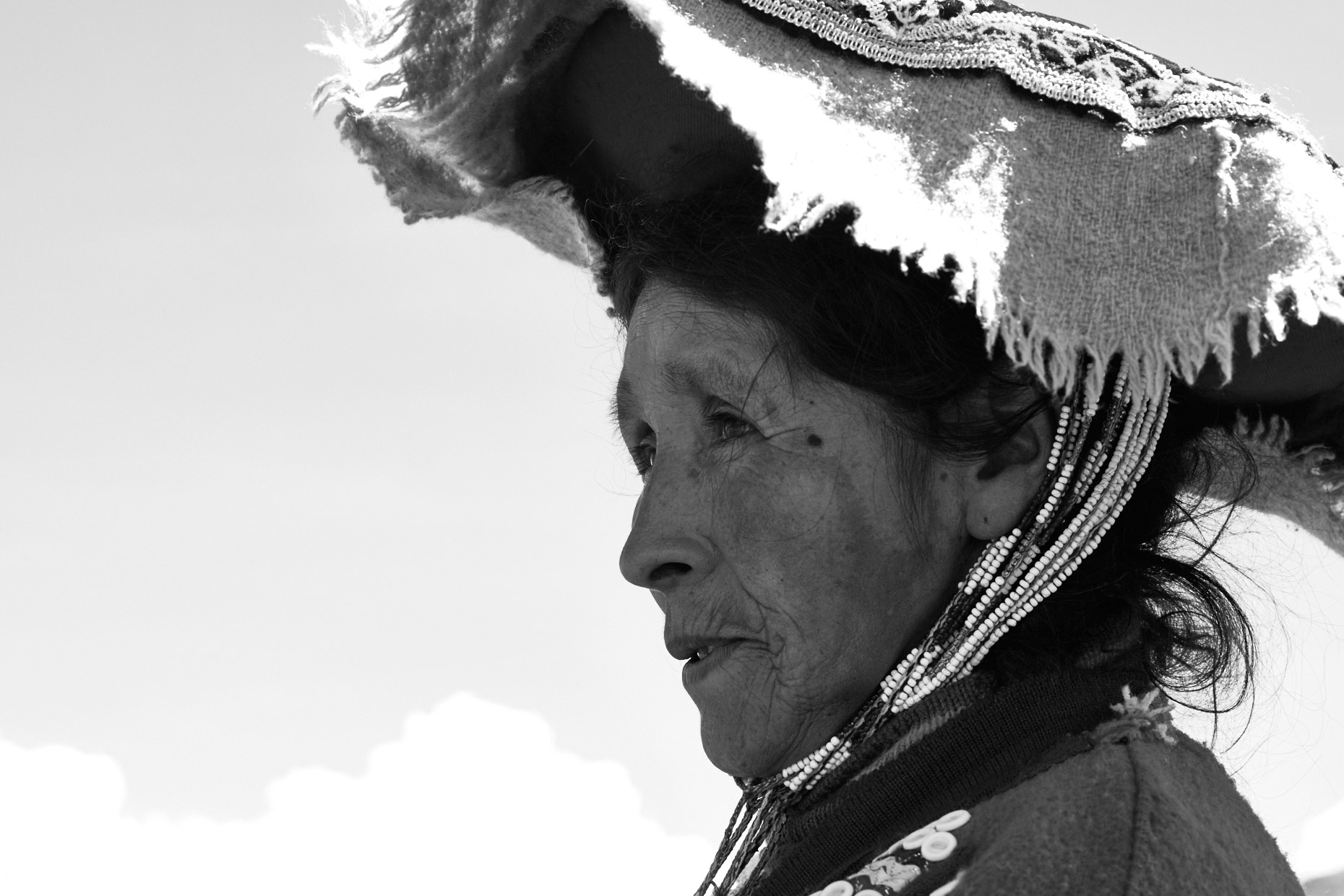 Local-Peruvian-woman-wearing-traditional-headdress