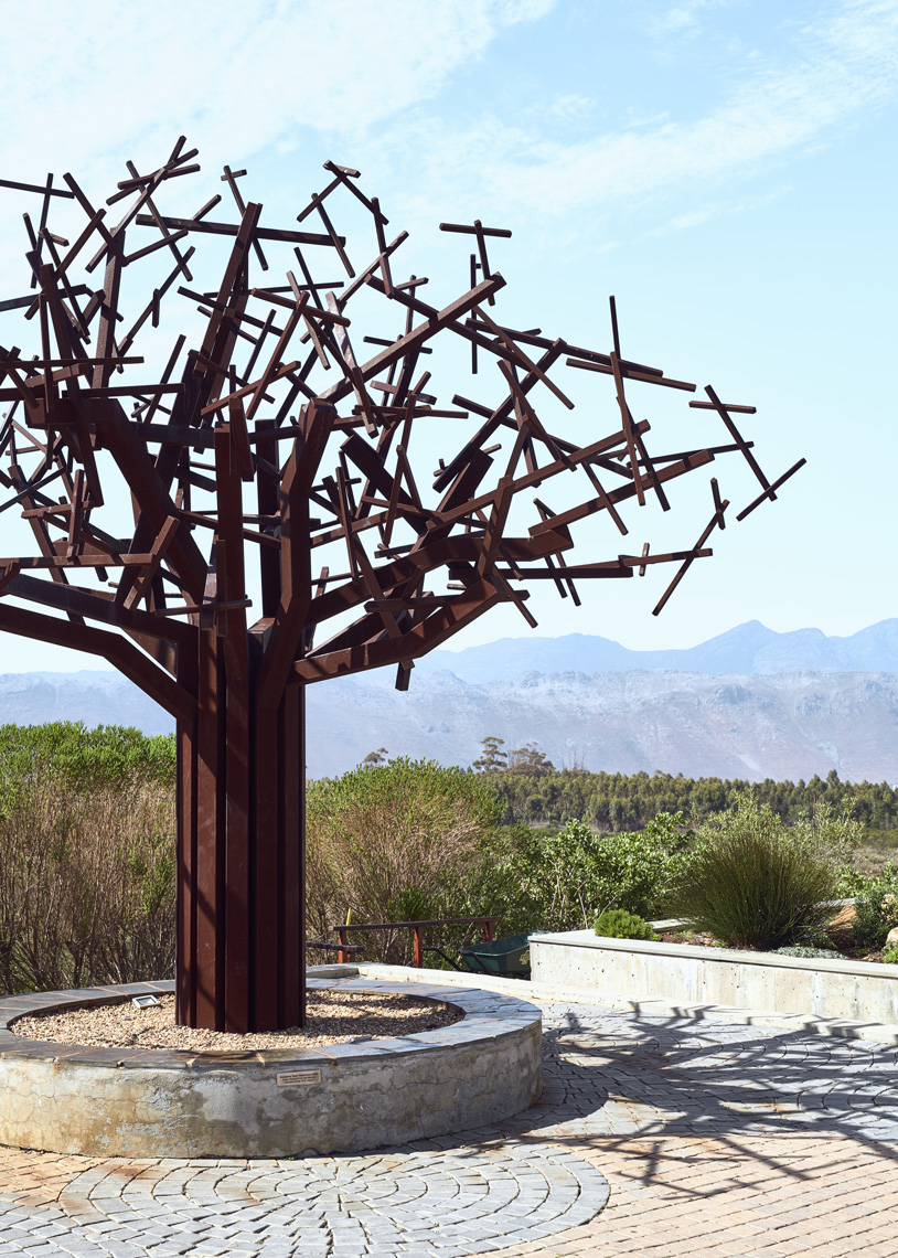 Waterkloof-Art-Tree-Sculpture-Installation
